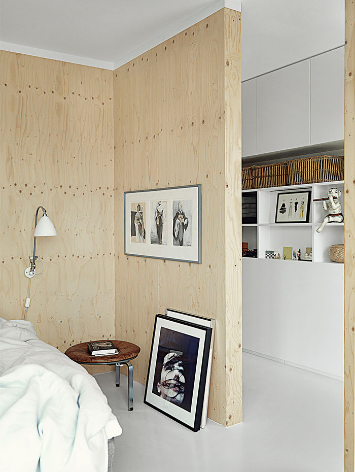 come_home_to_high_water-copehagen-floating-home-bedroom-dux-bed-pk33-stool