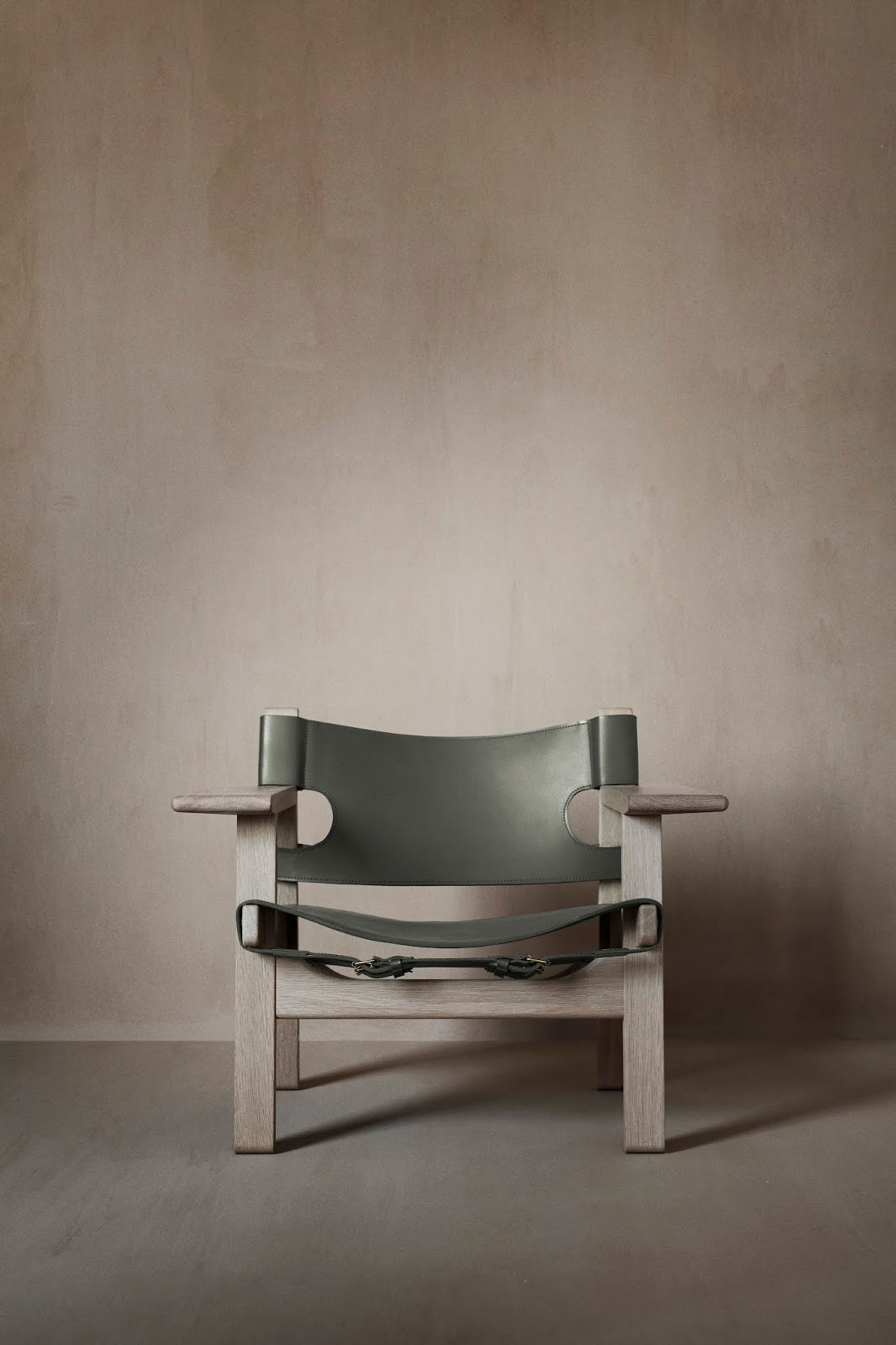 the spanish chair 60years 1